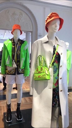 "b5e4d0b6e69 Versace Menswear Spring Summer 2019. """