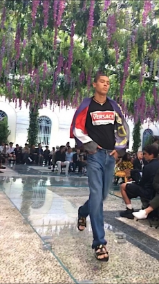 """a51b6e6b45 In the show notes Donatella Versace mentioned how this collection takes  into account the free spirit of Versace's men. """"These are men who do not  care about ..."""